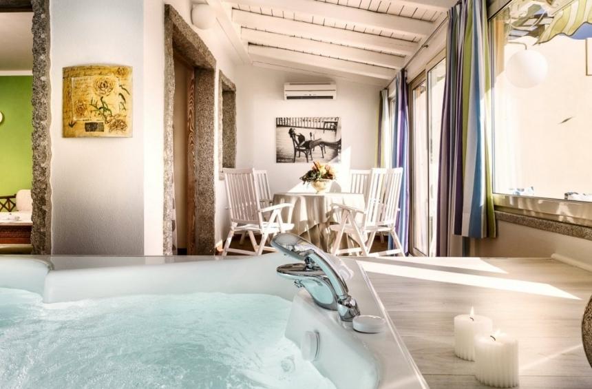 Hotel Stella Maris Villasimius, camera con vasca idromassaggio
